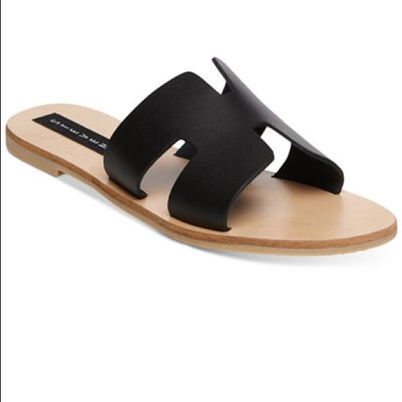 6800a2aaae12 Steve Madden Greece sandal